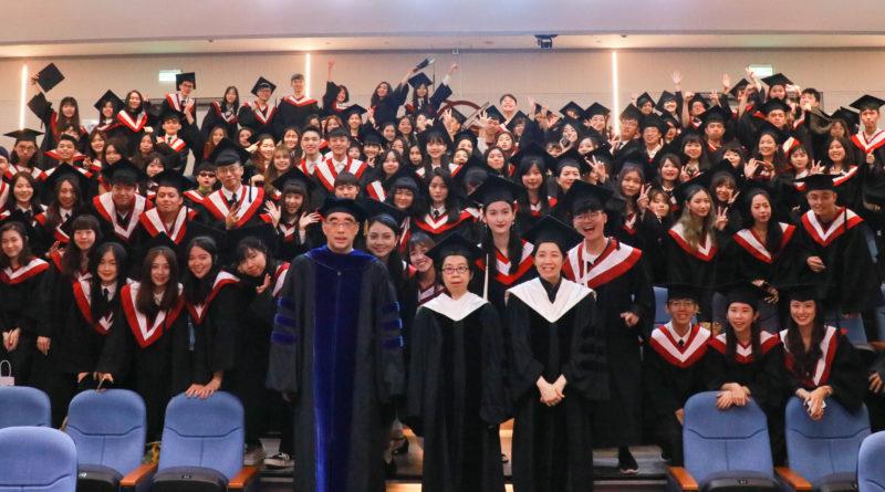 2020世新大學新聞系畢業典禮 感動中落幕